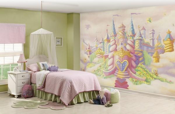 Фотообои детские готовые с изображением сказочного замка, хорошо подойдут к нежному интерьеру маленькой принцессы