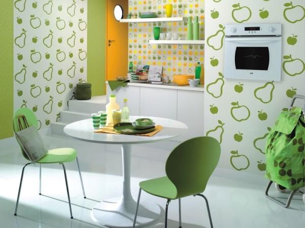 Комбинированная отделка кухни в зелёных тонах