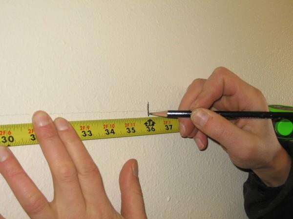 Насколько точной и ровной будет разметка стены под обрешётку, настолько ровными и качественно сделанными будут ваши гипсокартонные стены
