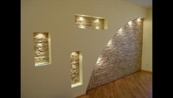 Обшивая стены гипсокартонными листами, мы можем пофантазировать и создать с их помощью интересный и уникальный интерьер