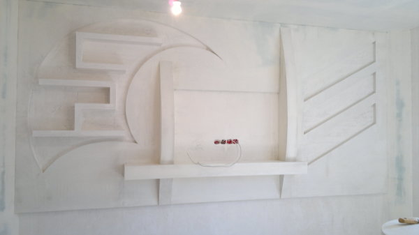 С помощью гипсокартона, мы можем лёгкостью сооружать различные необычные конструкции на стенах нашего дома или квартиры