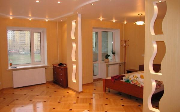 С помощью гипсокартонных конструкций, мы без особого труда и затрат можем разделить комнаты на несколько необходимых зон