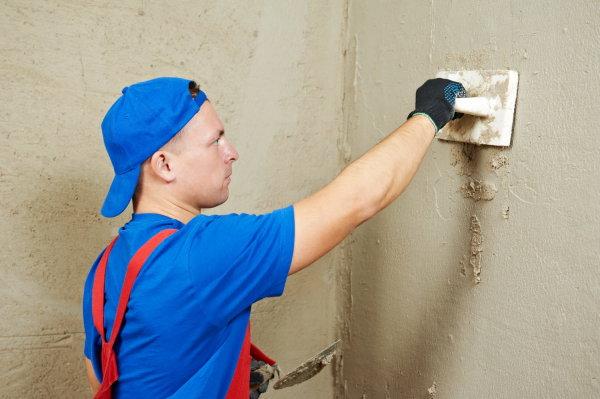 Штукатурка стен перед монтажом гипсокартонных листов, может служить защитой стен от влажности, а значит от плесени и грибка
