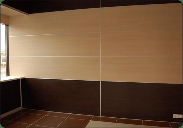 Стены, обшитые панелями из мдф, подойдут в любое помещение, а также их расцветку можно подобрать под любое стилистическое оформление комнаты