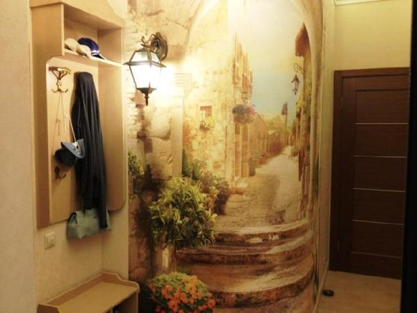 Текстурные фотополотна с имитацией фрески, добавляют в прихожую старинного благородства