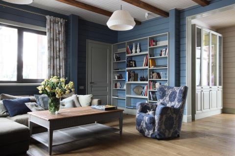 Вариант покраски интерьера брусового дома