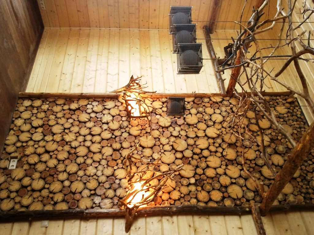 Отделка стен деревом в квартире своими руками 79