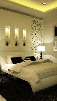 Используем светильники с не яркой покраской стен