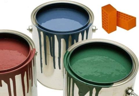 Латексная краска для работ с кирпичом более густая, чем многие виды красок, она очень устойчива, но довольно дорогая