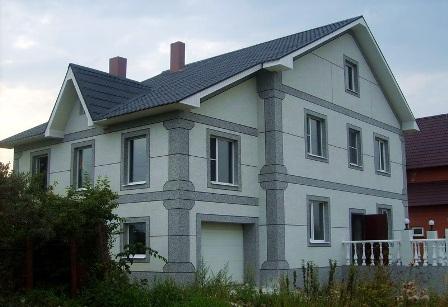 Фото фасадов домов с декоративной штукатуркой короед фото