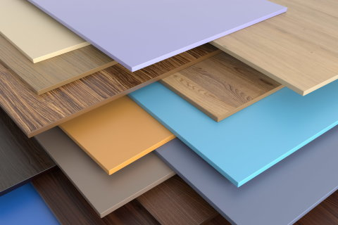 Мы видим пример разнообразия пвх панелей, которые можно найти в любом строительном магазине или рынке
