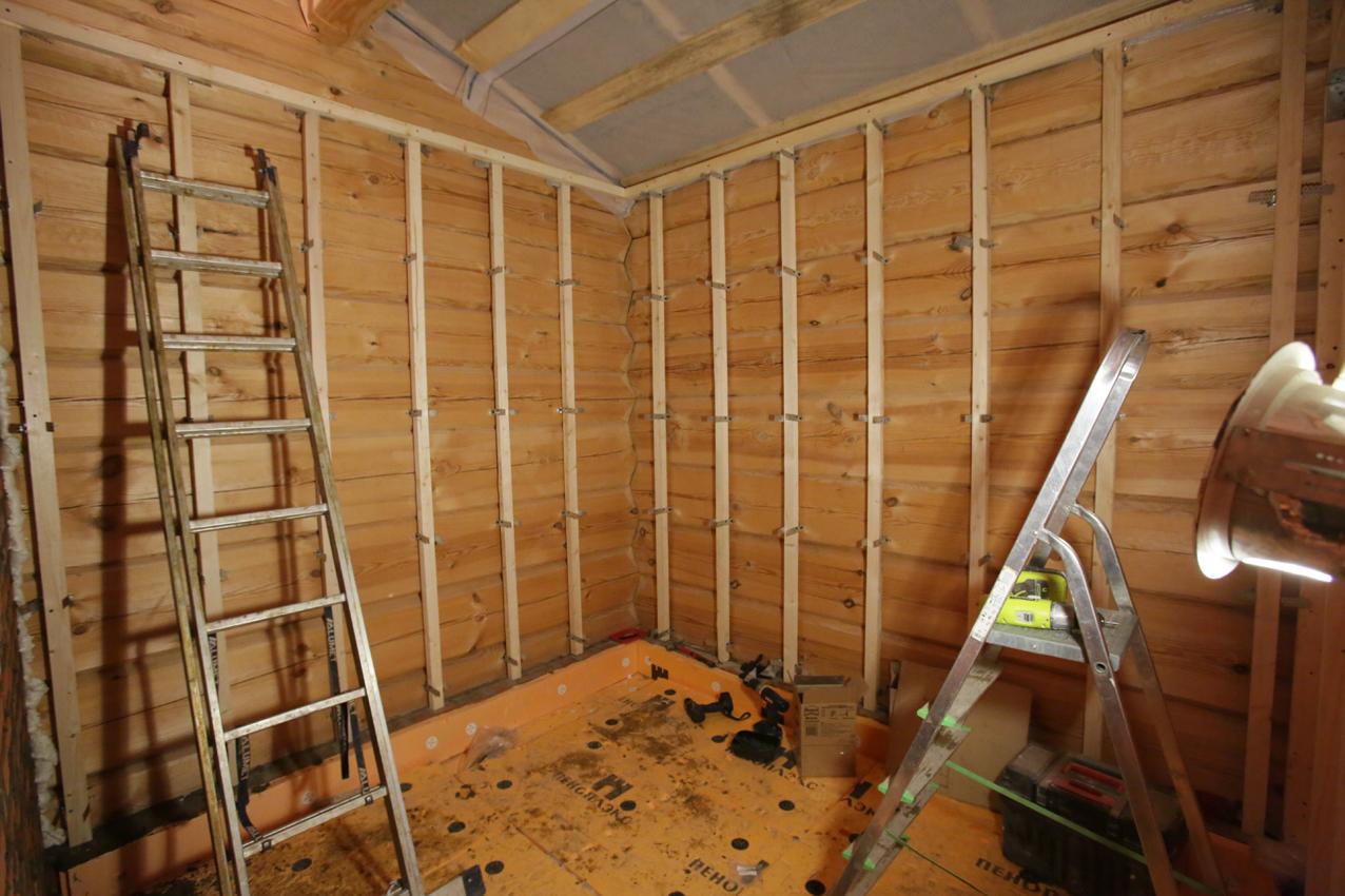 Как сделать стены из гипсокартона в деревянном 108