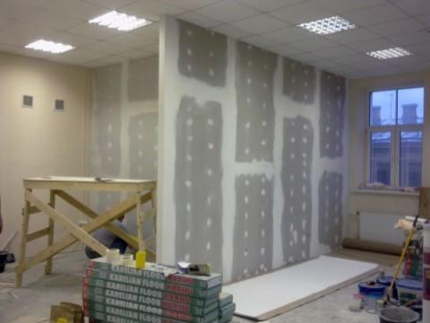 Обшивка стен гипсокартоном становится всё популярней каждый год.