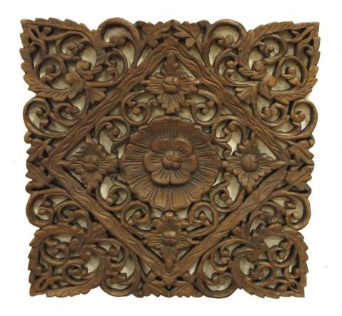 Панно на стену деревянное можно подобрать или сделать, под любую стилистику комнаты