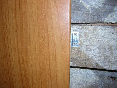 Перед монтажом пвх панелей на стену, её необходимо обработать специальными составами, независимо от материала, из которого она состоит