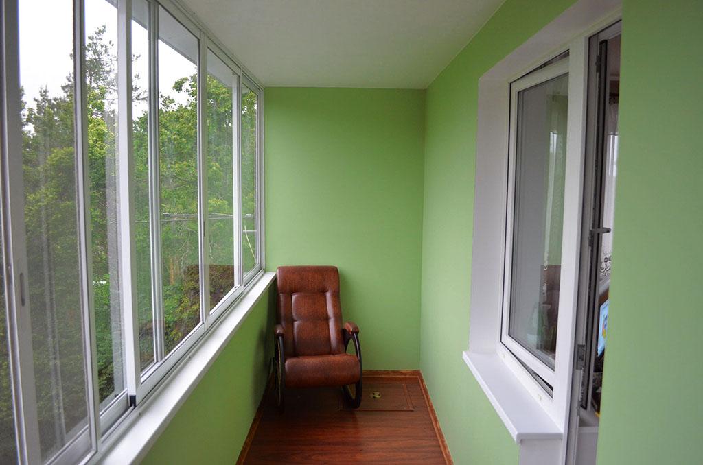 Отделать внутри балкон