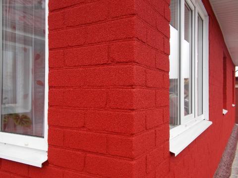 Простота нанесения фасадной краски для кирпичных стен не требует специальных навыков или дорогих инструментов, поэтому очень легко обновить стены дома самостоятельно