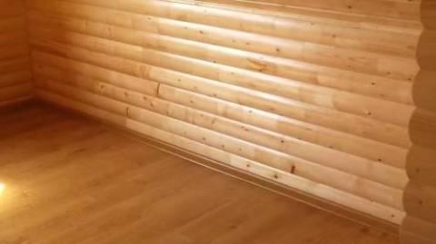Ровные деревянные стены можно обшить гипсокартоном не создавая специального каркаса