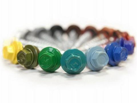 Шляпки саморезов так же покрываются стойкими полимерами.