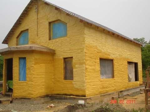 Так выглядят стены дома утеплённые с помощью пенополиуретана