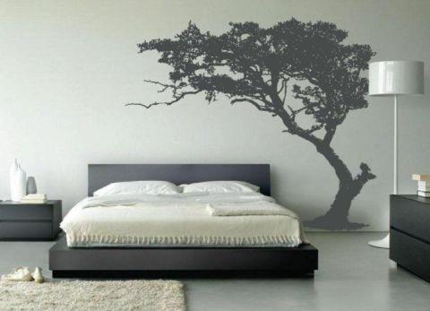 Украшаем стены в спальне