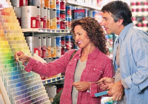 В любом магазине вы можете найти огромный выбор красок для наружных работ по кирпичным стенам
