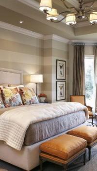 Нейтральные тона обоев в интерьере спальни