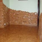 Пробковые панели могут быть на части стены