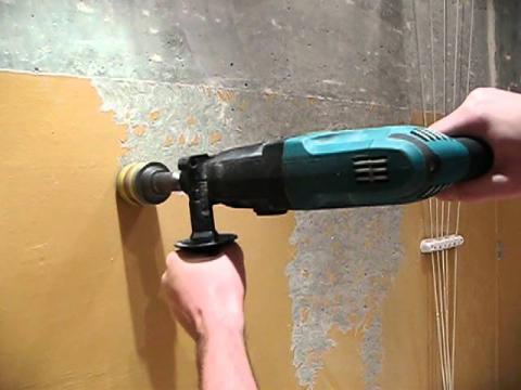 Как приклеить кафельную плитку на стену
