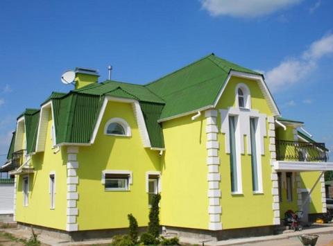 Стены должны быть более светлые по отношению к крыше