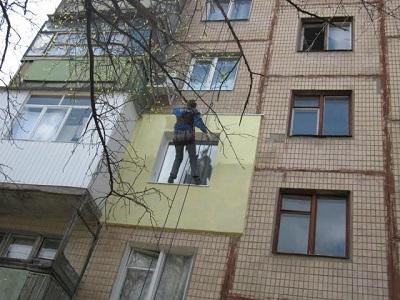 Заделка швов на потолке алебастром