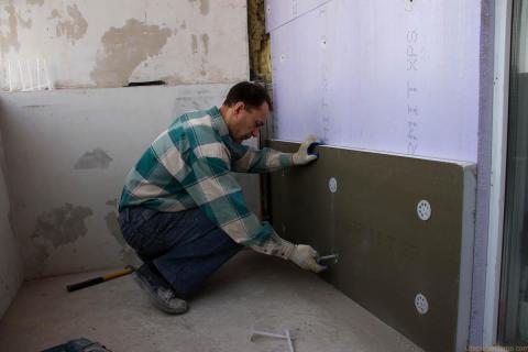 Утепление стен с помощью экструдированного пенополистерола.