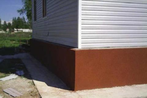 Чем красить фундамент дома и как выполнить работу