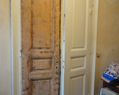 Чем покрасить межкомнатные деревянные двери