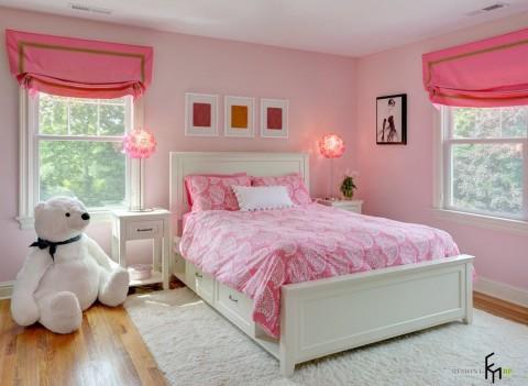 Детская спальня в розовых тонах