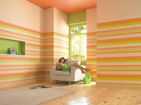 Дизайн обоев для гостиной: чередования полоски.