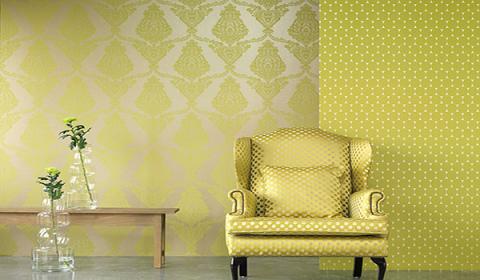 Флизелин отлично маскирует и делает незаметными все неровности стены.