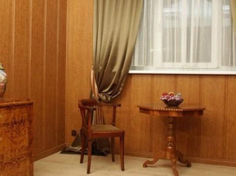 Отделка гостиной панелями ПВХ