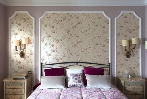 Поклейка обоев и дизайн спальни.