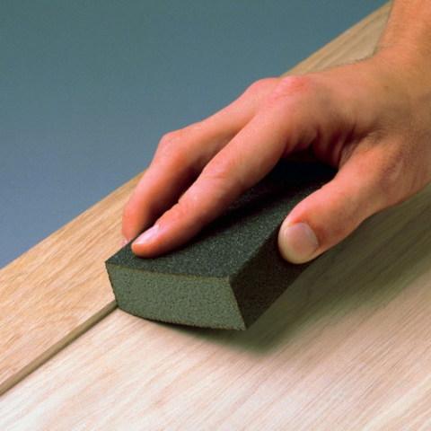 Шлифование поверхности абразивной губкой
