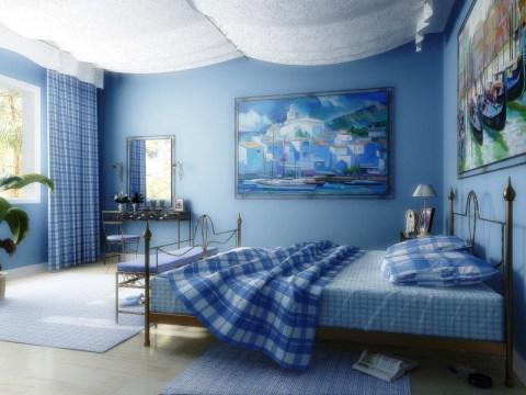 Сочетание синих стен с белым потолком