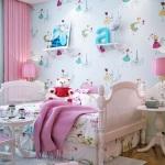 Спальная комната для девушки-подростка