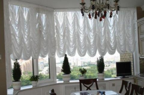 Вариант легких штор для кухни