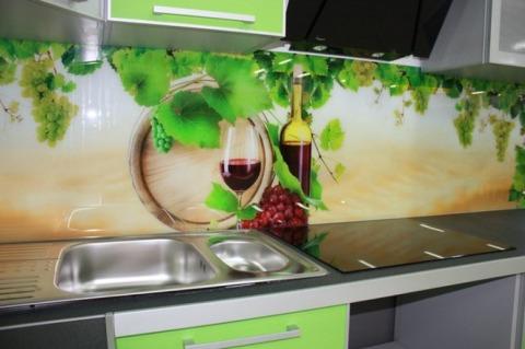 Вино может украсить рабочую зону кухни