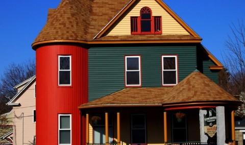 Выбираем вариант покраски фасада