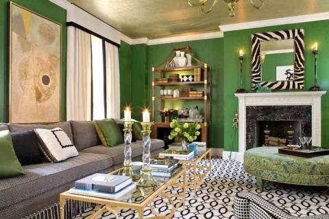 Зеленые обои в интерьере гостиной