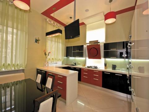Кремовый тон стен кухни