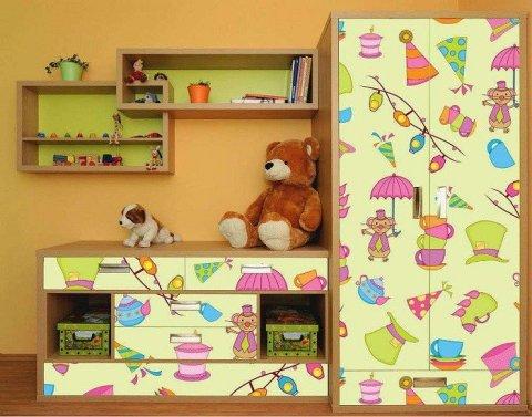 Отделка пленкой мебели в комнате ребенка