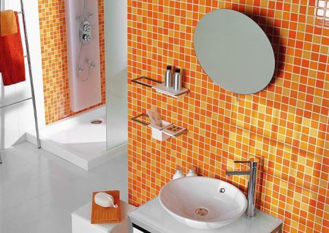 Отделка ванной комнаты самоклеящимися обоями