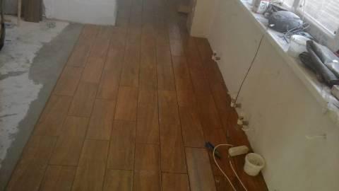 Плитка на полу: кладка со смещением шва